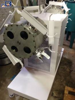 Industrial centrifuge for chocolate eggs