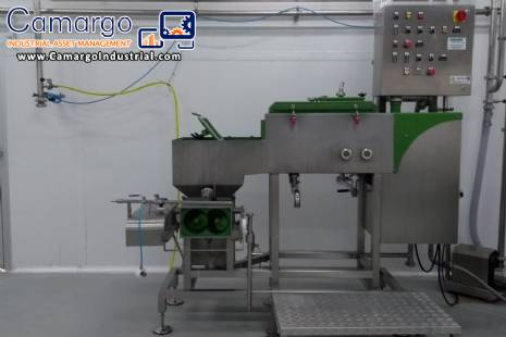 Compact unit for cheeses with steam filing system Comat