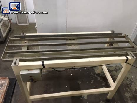 Vibrating table for chocolate shapes Jcmaq