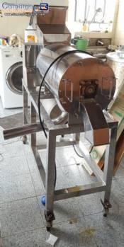 Fruit and vegetable pulping machine Mundinox