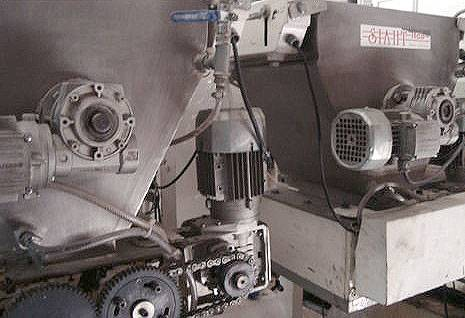 Chocolate feeder continuous brand Siaht  with 32 spouts