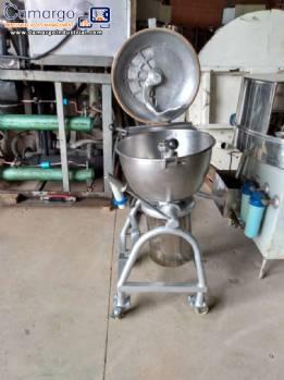 Universal industrial cutter 50 L Geiger