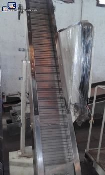 Industrial conveyor in stainless steel