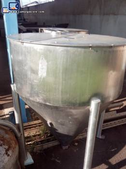 Conical stainless steel silo with feet