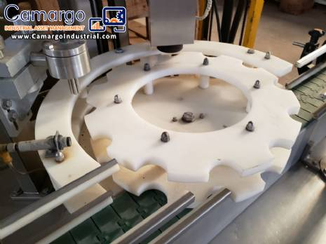 Bottle cups filling machine with aluminum seal